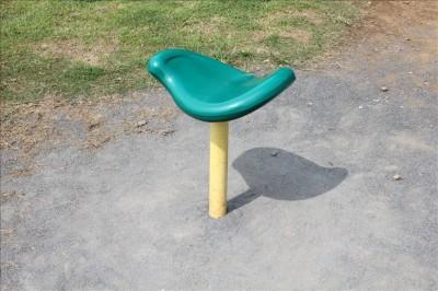 椅子の形をした遊具