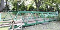 ミニ鉄道の緑の鉄橋