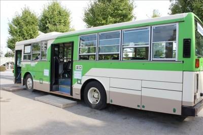 展示されているグリーンの都電バス