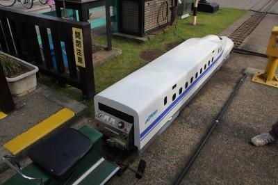 ミニ新幹線の運転席