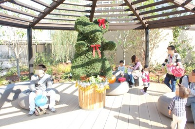grandtree-屋上庭園バーコラ屋根付きベンチ