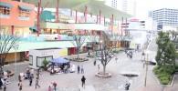 ビナウォークの昼間の中央広場