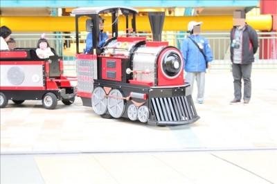 ビナウォークのSL列車