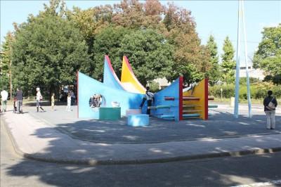 公園の遊具広場の様子