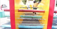 アスレチック風の大型遊具