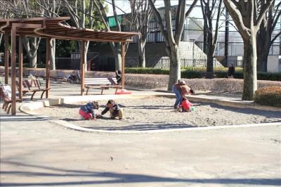 わんぱく遊具広場の砂場