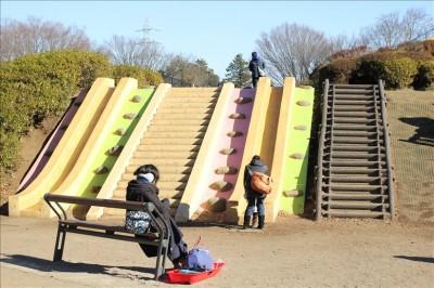 おもしろい形の滑り台