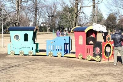 汽車ポッポの幼児向け遊具