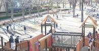 大型アスレチック遊具と遊具広場