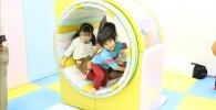 360度回転する屋内遊具
