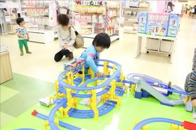for kids + b のおもちゃ売り場