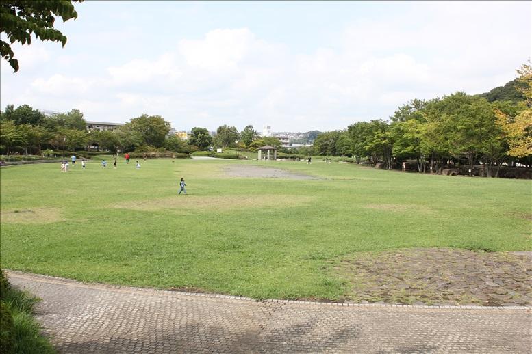 日野中央公園自由広場
