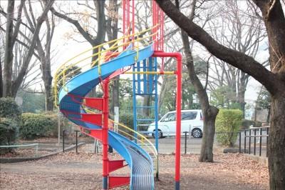 遊具広場の回転滑り台