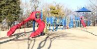 アスレチック型の複合遊具(御勅使南公園)