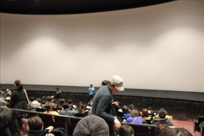 シアター23.4の巨大スクリーン