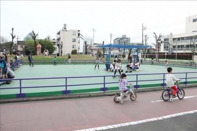 萩中公園ローラースケート場