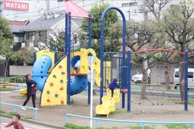 萩中交通公園の複合遊具