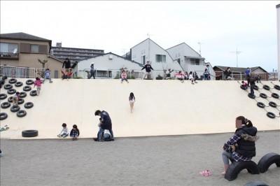 タイヤ公園のジャンボ滑り台