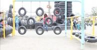タイヤのアスレチック遊具