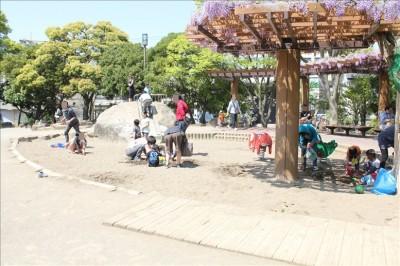 幼児向け遊具広場のお砂場