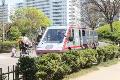 総合レクリエーション公園シャトルバス(赤)