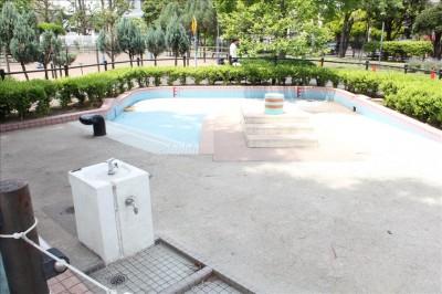 北鹿浜公園のじゃぶじゃぶ池