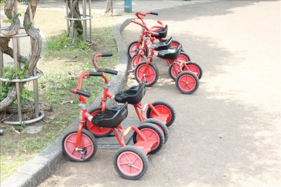 赤い三輪車