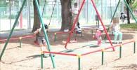 北鹿浜公園のこども広場のブランコ
