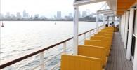 海上バスの外の席