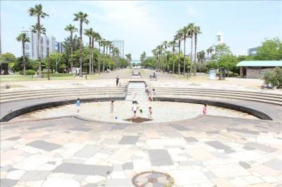 潮風公園噴水広場全体の様子
