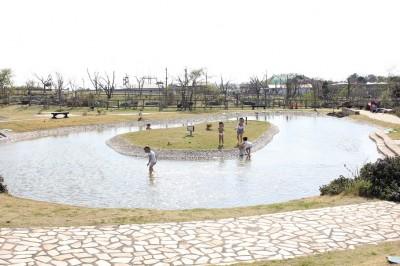 ソレイユの丘のジャブジャブ池