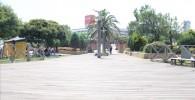 海風公園の広いウッドデッキ