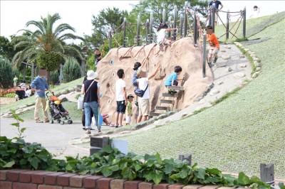 遊具広場のクライミング