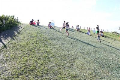 海風公園芝ソリゲレンデ