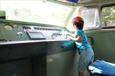 新幹線0系の運転席