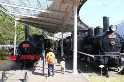 古い機関車の展示