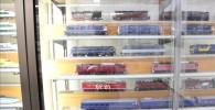 色んな電車の模型が並んでいる