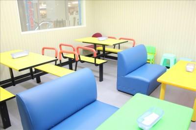 ベビープレイルームのテーブル