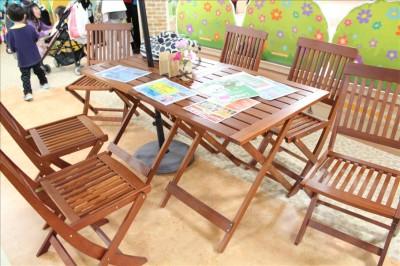 キルメスタウン保護者用のテーブル席