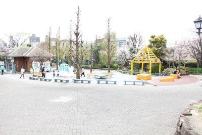 釣り堀横の広場