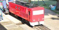 赤いミニ電車