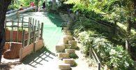 丸い石の階段