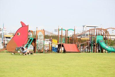 川崎競馬場にある複合遊具