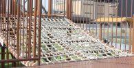 川崎競馬場ネットのアスレチック遊具